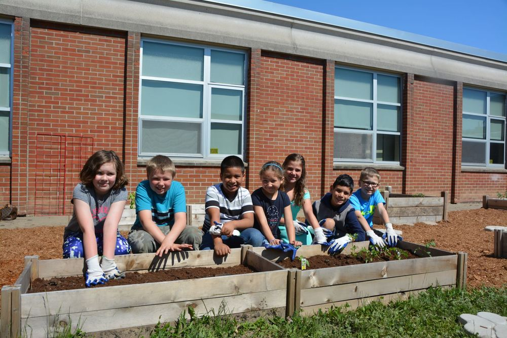 Planting Healthy Foods in Cayuga Height's Healthy Garden