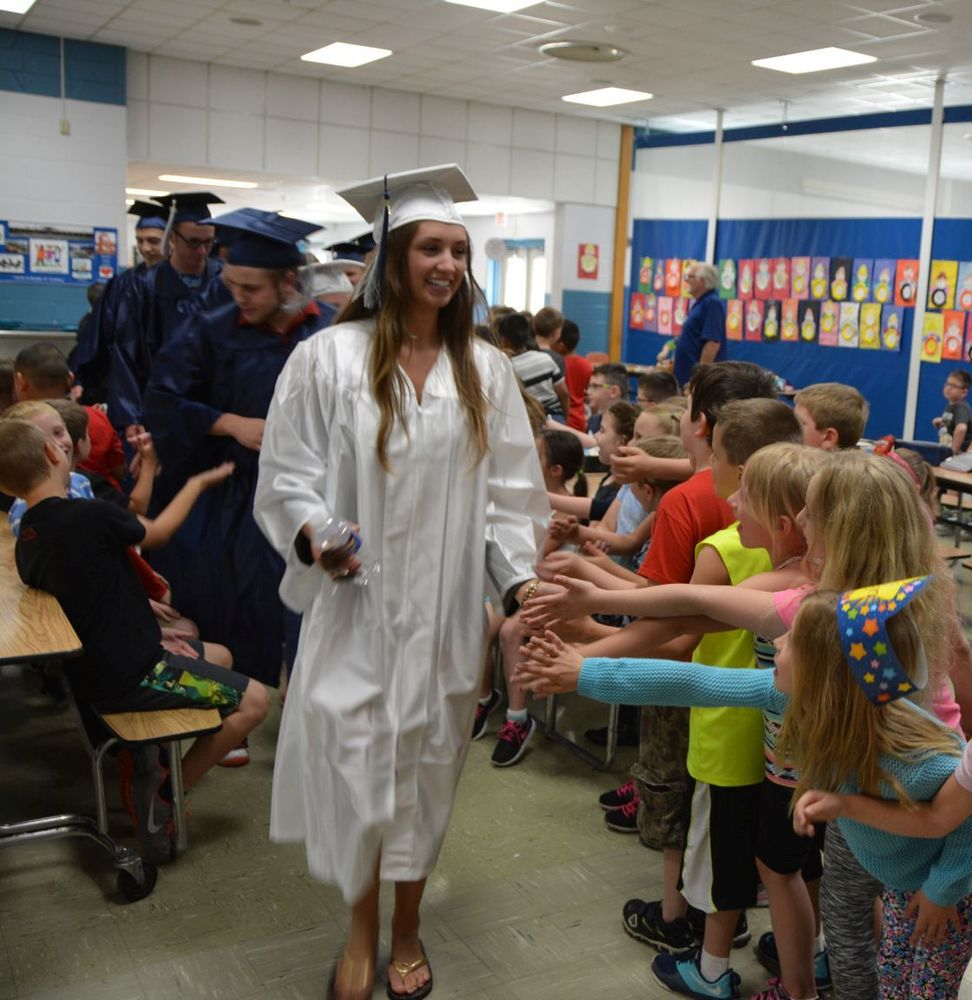 Senior Walk Inspires Younger Students