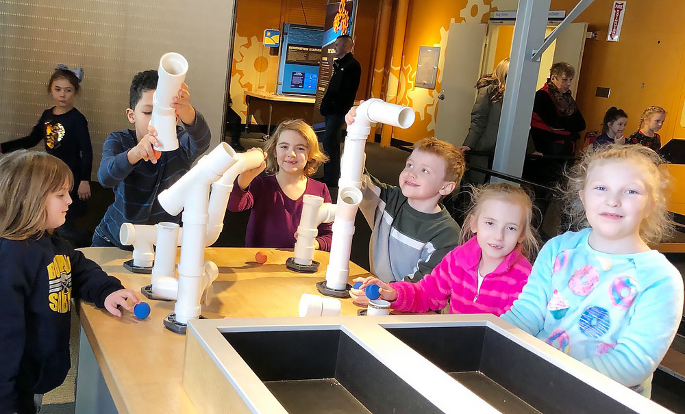 Second Grade Field Trip to the Science Museum