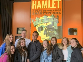 English Students See Hamlet