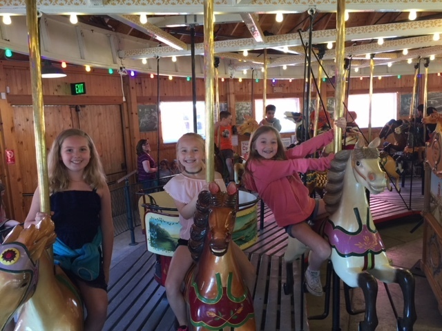 Grade 3 visits the Carousel Museum